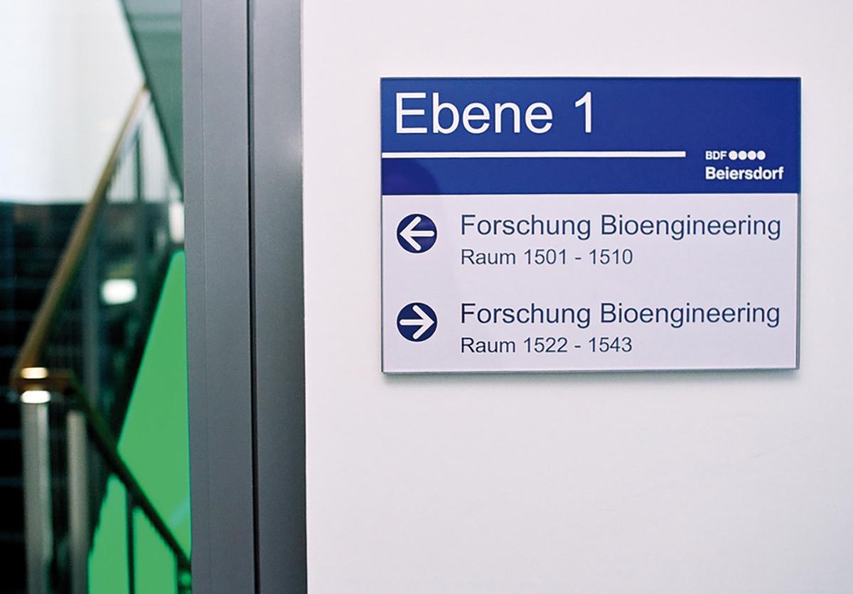Beiersdorf_Etagenschild