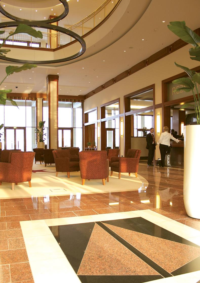 Columbia_Foyer