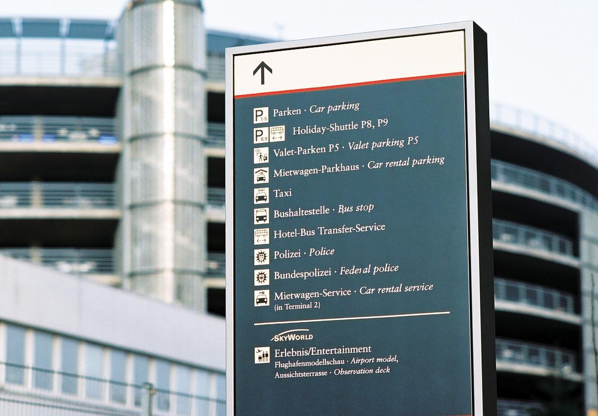 Flughafen_HH_Parkhausschild