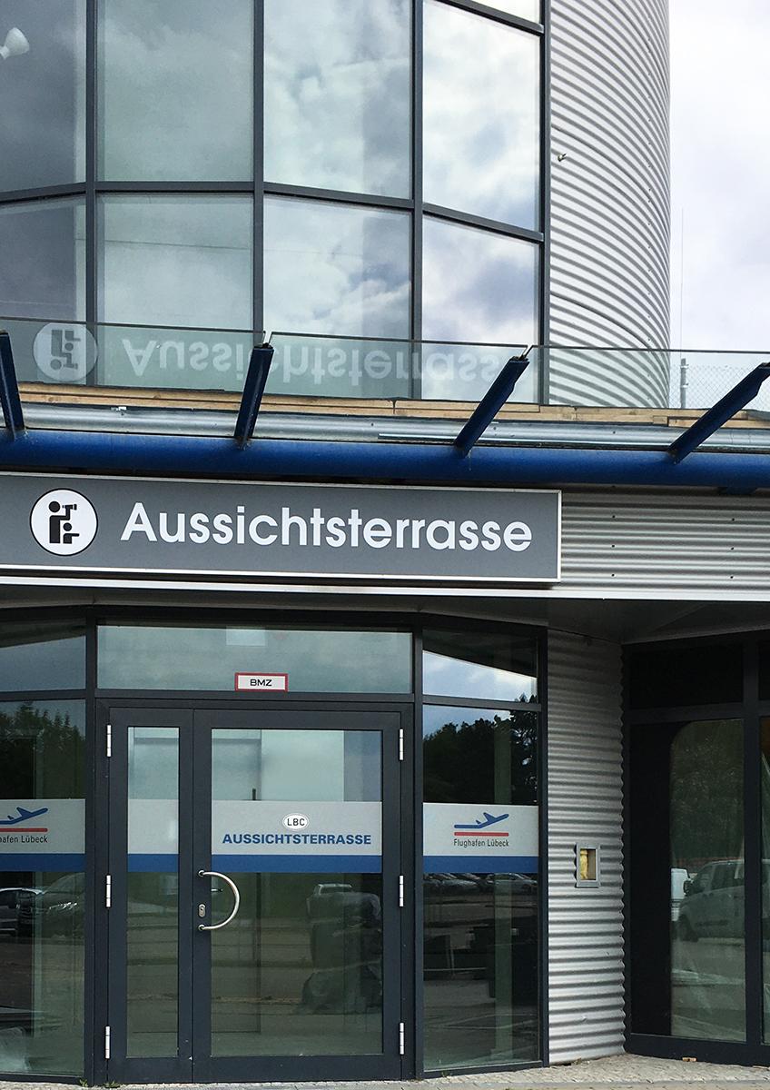 Flughafen_Luebeck_Aussichtsterrasse
